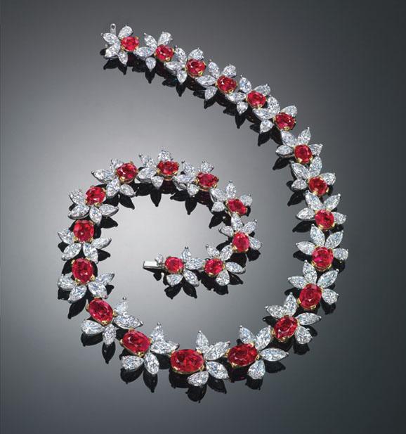 缅甸天然鸽血红红宝石及钻石项链