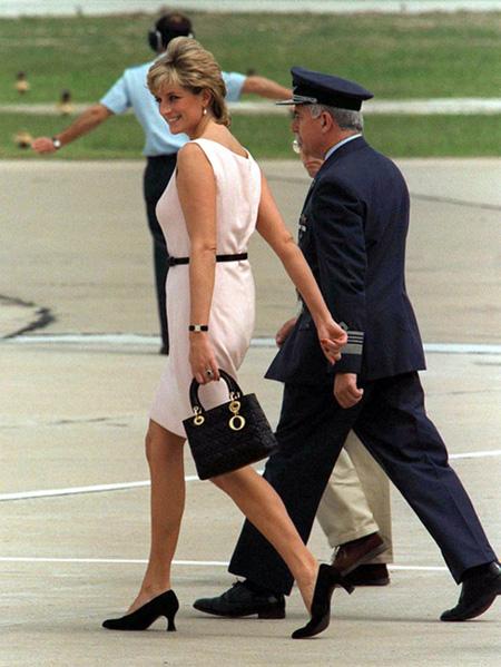 隽永经典Lady Dior 戴妃传奇永不灭