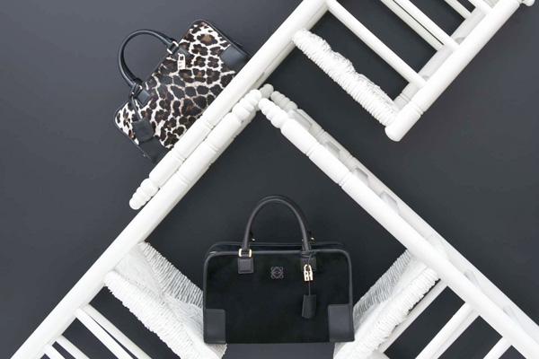 Loewe 推出全新Monochrome系列手袋