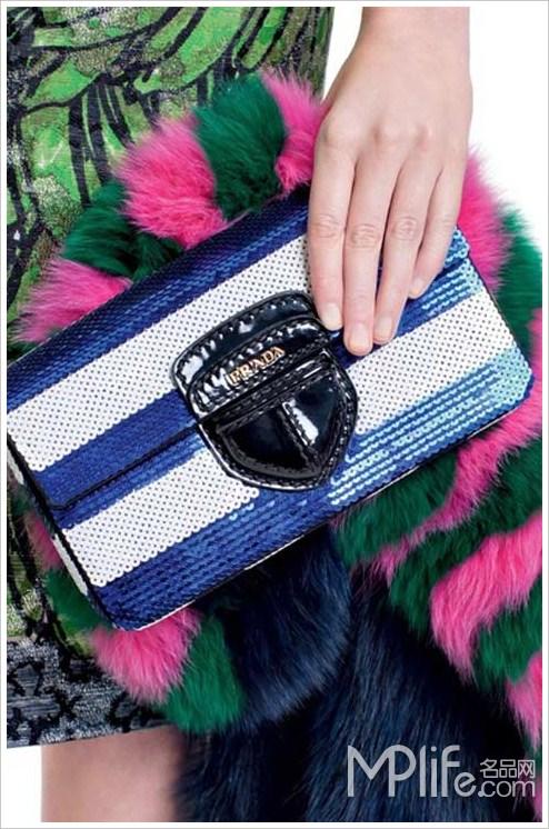 2011春夏条纹的色彩诱惑 Prada唯美上演