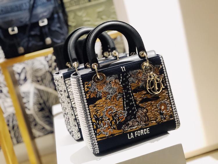 2019年Dior下半年必买包款推荐! 奶茶色蒙田包、迷彩马鞍包、马卡龙黛妃包都好烧-5