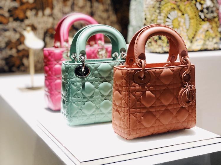 2019年Dior下半年必买包款推荐! 奶茶色蒙田包、迷彩马鞍包、马卡龙黛妃包都好烧-6