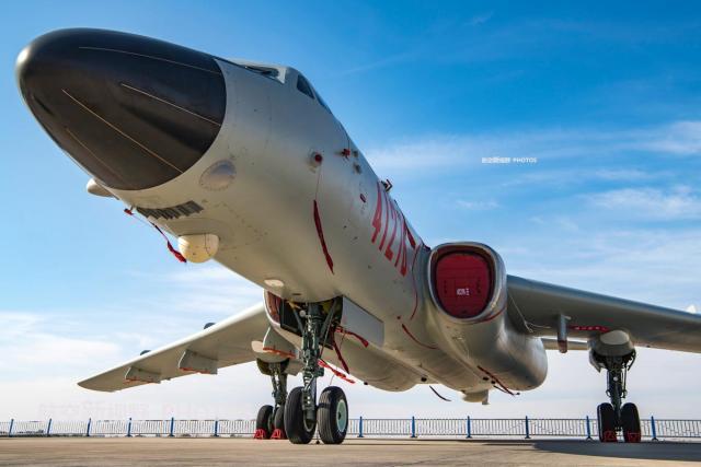 轰-6K飞机换装新型发动机 有了大幅的提高